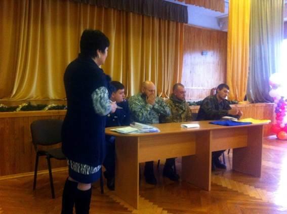 """Бойцы батальона """"Киев-2"""" пообещали киевским школьникам, что мир и спокойствие скоро вернутся в Украину (ФОТО) (фото) - фото 1"""