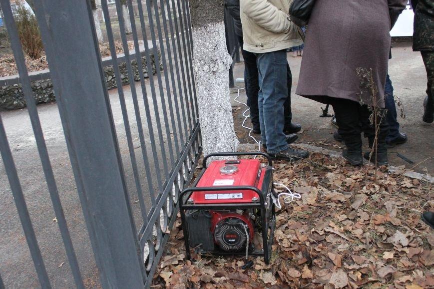 В Кривом Роге протестующие срезали болгаркой забор у офиса «Метинвеста» и под крики «Ганьба!» вошли в кабинет директора (ДОБАВЛЕНЫ ФОТО), фото-6