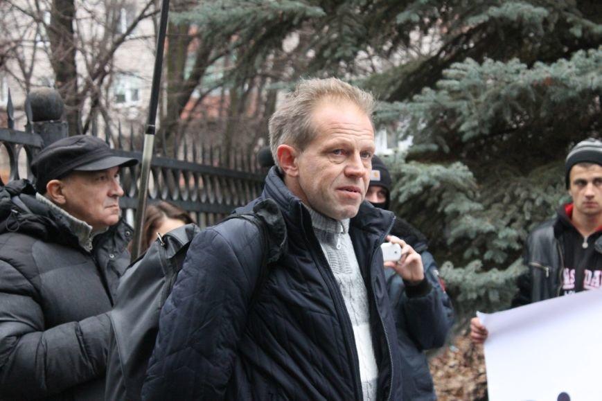 В Кривом Роге протестующие срезали болгаркой забор у офиса «Метинвеста» и под крики «Ганьба!» вошли в кабинет директора (ДОБАВЛЕНЫ ФОТО), фото-4