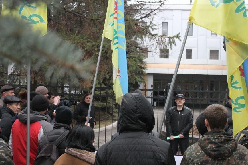 В Кривом Роге протестующие срезали болгаркой забор у офиса «Метинвеста» и под крики «Ганьба!» вошли в кабинет директора (ДОБАВЛЕНЫ ФОТО), фото-5
