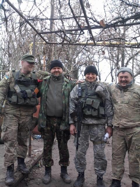 Тернопільські бійці на передовій почали прикрашати новорічні ялинки (фото) (фото) - фото 1