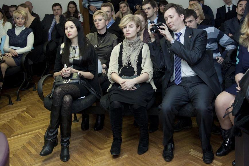 На областном конкурсе «Молодые ученые - Днепропетровщине» криворожанин получил грант - 36,7 тысяч гривен, фото-3