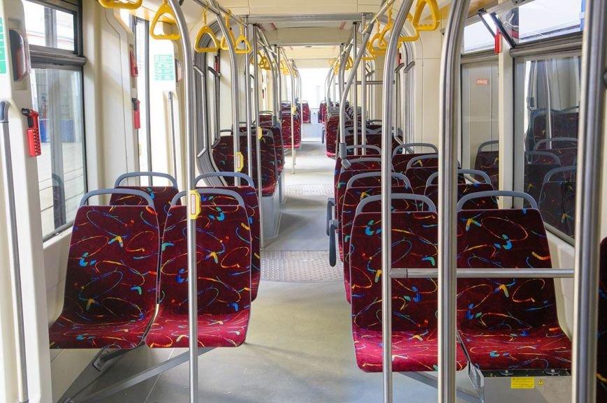У Львові випустили новий трамвай для широкої колії (ФОТО) (фото) - фото 2