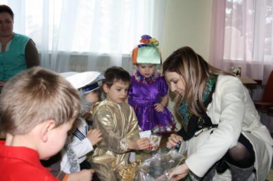 Поклонская лично поздравила симферопольских малышей с Днем святого Николая (ФОТО, ВИДЕО) (фото) - фото 1