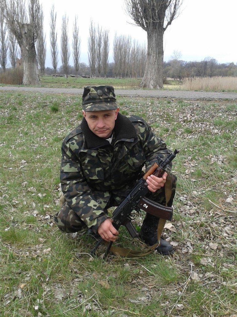 В связи с гибелью в АТО Алексея Баланчука, в Кривом Роге 20 декабря объявлен Днем траура (фото) - фото 1
