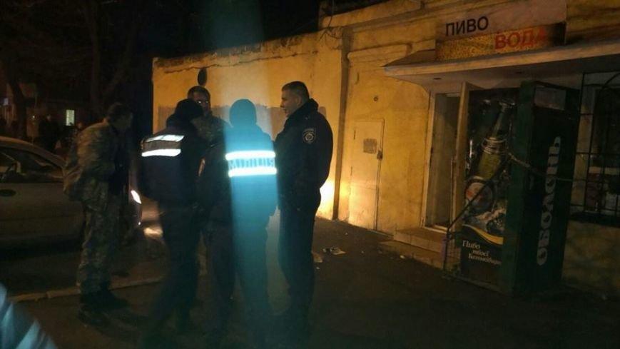 Общественники и патриоты в Одессе громят «наливайки» и наркопритоны (ФОТО), фото-9