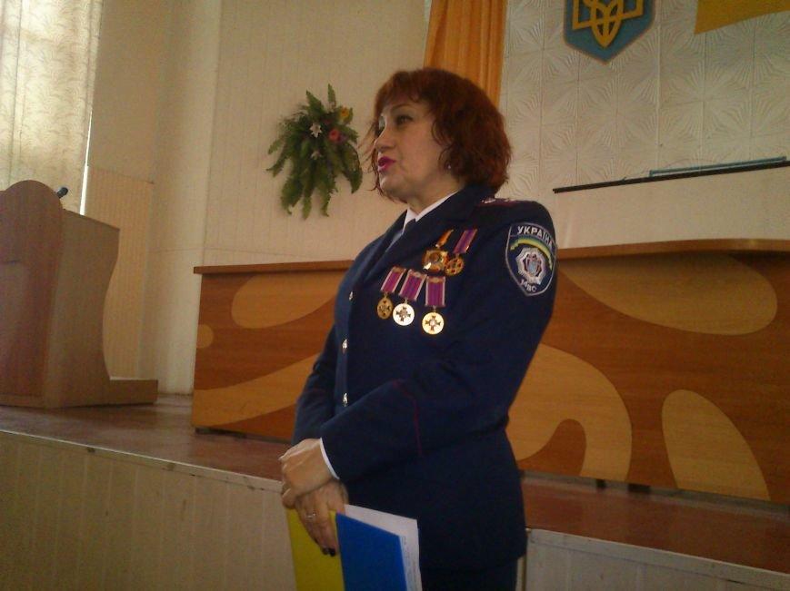 Днепродзержинские стражи правопорядка принимали поздравления ко Дню милиции Украины, фото-5