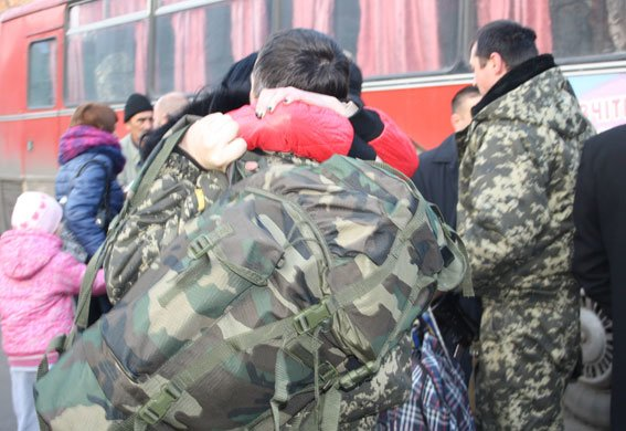 Из зоны АТО в Кременчуг вернулись милиционеры (фото) - фото 1