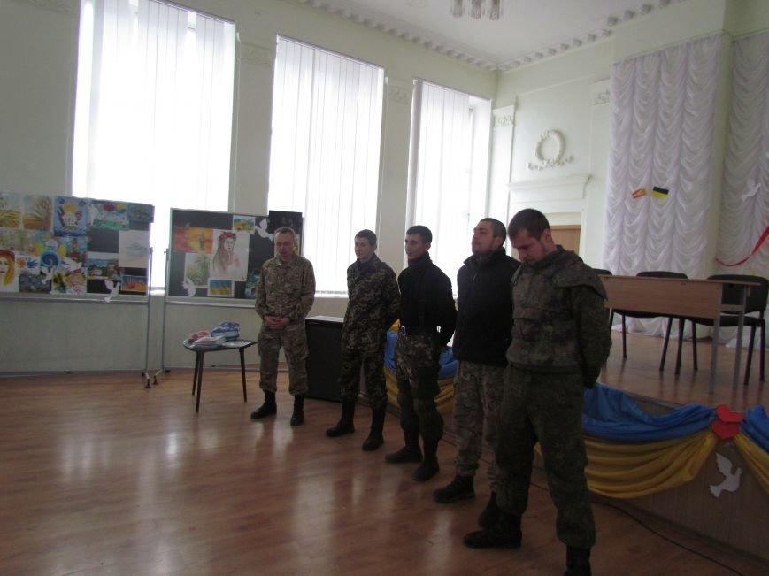 Мариупольские лицеисты поздравили танкистов с днем Святого Николая (ФОТО), фото-9