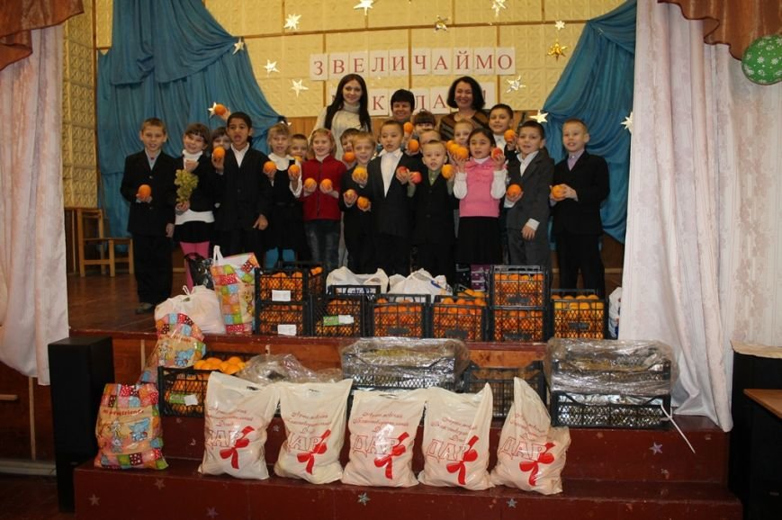 Акция сайта 06274 «Стань Дедом Морозом» собрала больше 300 кг фруктов для детей из Артемовской школы-интерната!, фото-2