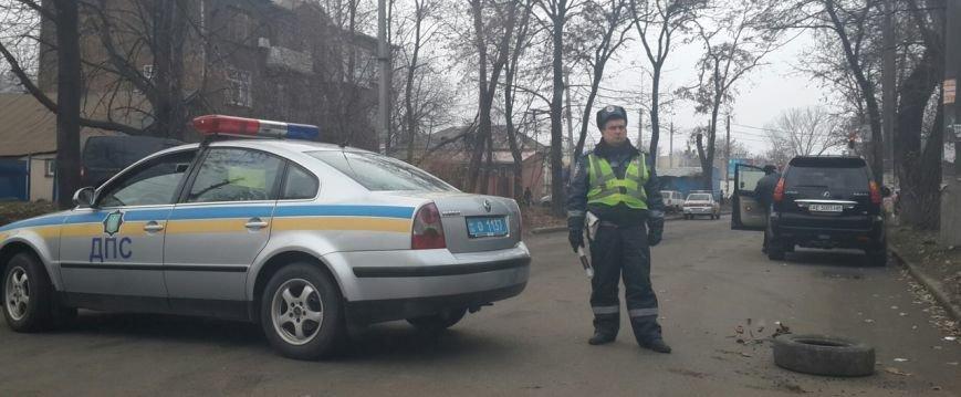 ДТП в Днепропетровске: грузовик с отказавшими тормозами таранил три авто (ФОТО) (фото) - фото 3