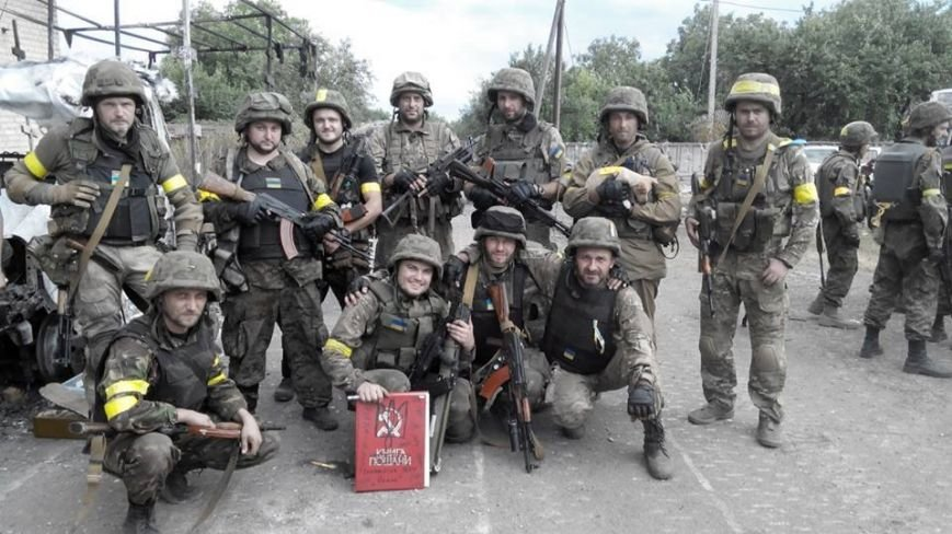 У Львові простяться з новітнім Героєм АТО (ФОТО) (фото) - фото 1