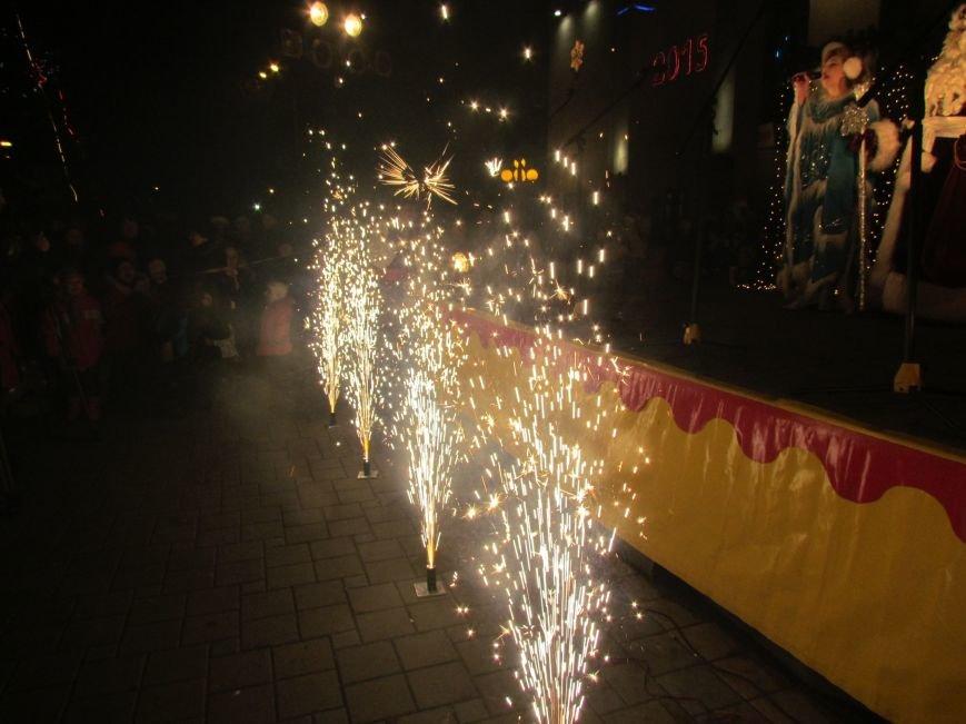В Мариуполе главную елку города зажгли Хотлубей, Тарута и веселая козочка (ФОТОРЕПОРТАЖ), фото-41
