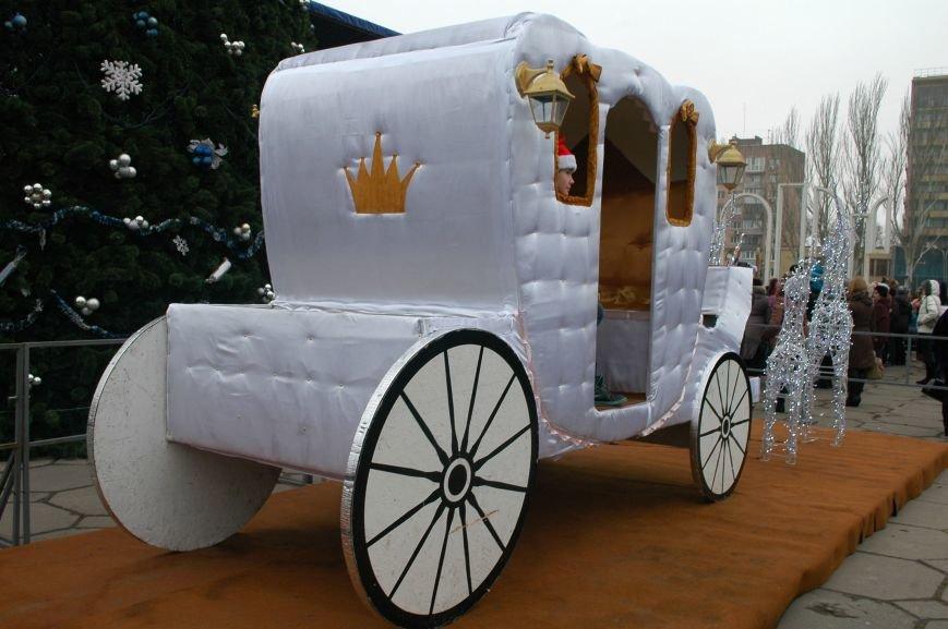 В Запорожье торжественно открыли центральную новогоднюю ёлку (ФОТО), фото-9