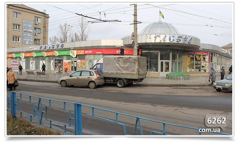 Не поделили перекрёсток, снова ДТП в Славянске. (фотофакт) (фото) - фото 3