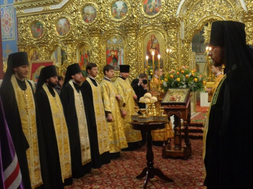 Мариупольцы молились за мир в день Святого Николая в киевских соборах (ФОТОРЕПОРТАЖ) (фото) - фото 2