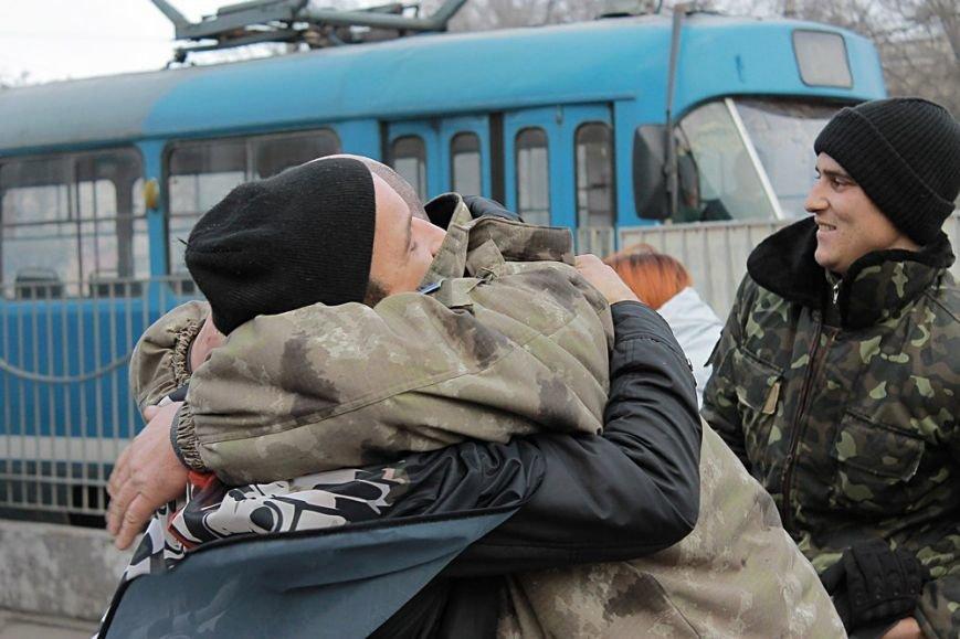 Одесситы встретили бойцов 28-ой бригады, вернувшихся из АТО (ФОТО) (фото) - фото 1
