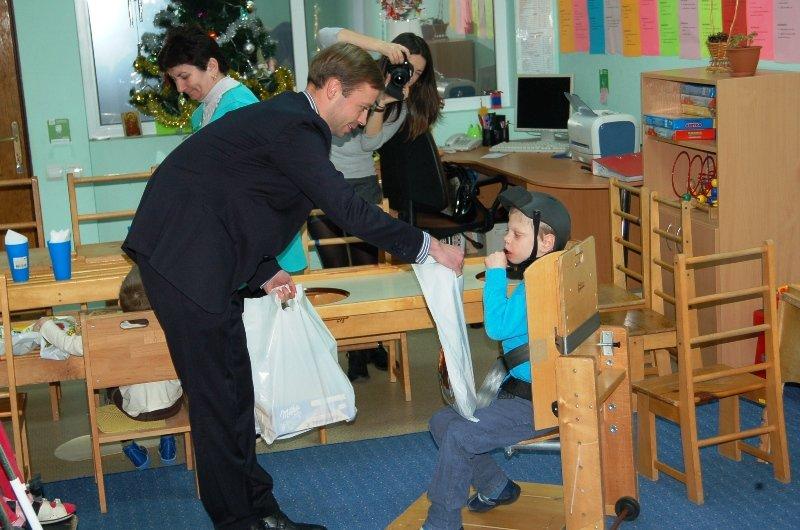 До вихованців реабілітаційного центру «Джерело» завітав Миколай (ФОТОРЕПОРТАЖ) (фото) - фото 2