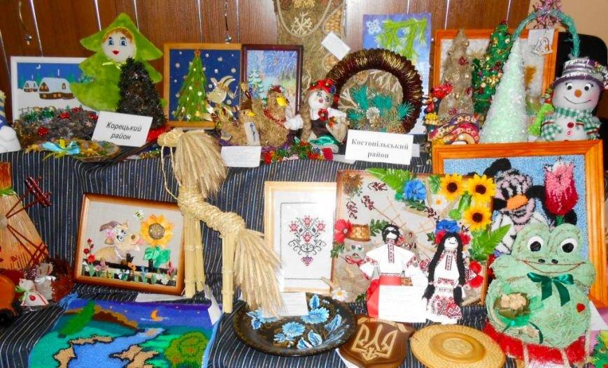 Творча молодь Рівненщини візьме участь у Всеукраїнській новорічно-різдвяній виставці (фото) - фото 2