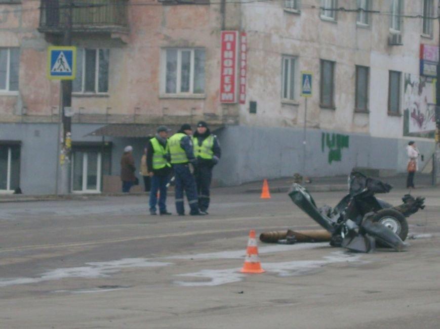 Страшное ДТП в  Кривом Роге: пассажирка «Жигулей» скончалась на месте, водитель в реанимации (ФОТО), фото-2