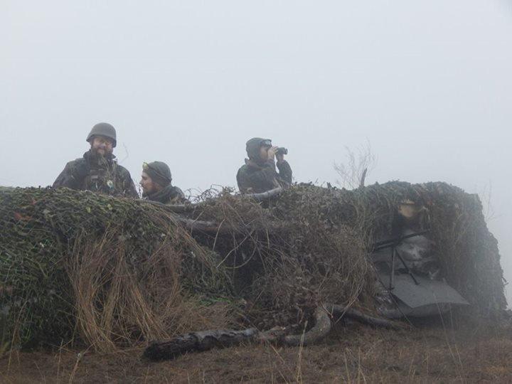 «Азов» и отряды теробороны круглосуточно дежурят на блокпостах вокруг Мариуполя (ФОТО), фото-1