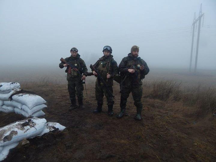 «Азов» и отряды теробороны круглосуточно дежурят на блокпостах вокруг Мариуполя (ФОТО), фото-5