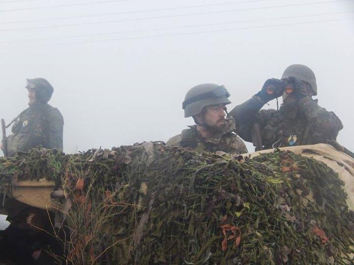 «Азов» и отряды теробороны круглосуточно дежурят на блокпостах вокруг Мариуполя (ФОТО), фото-3