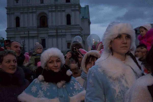 Парад Дедов Морозов в Гродно зажег главные елки в центре города (Фото, Видео), фото-2