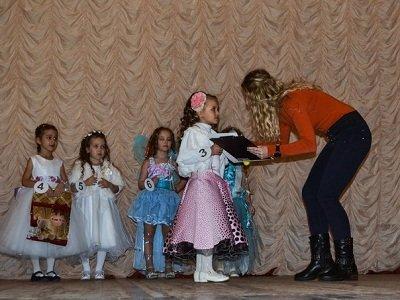 Красота спасет мир: в Макеевке состоялся конкурс «Мини-мисс» (фото) - фото 1