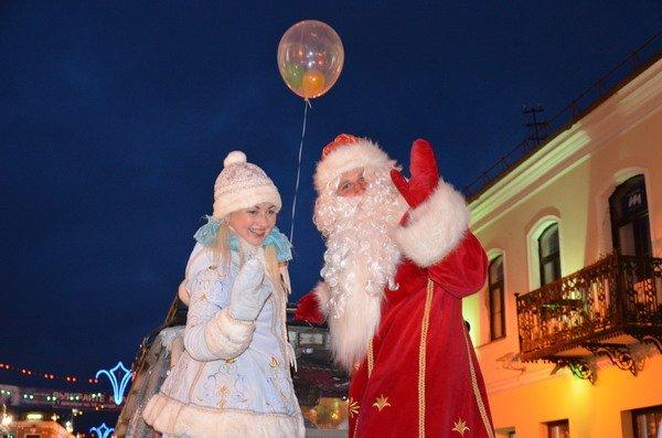 Парад Дедов Морозов в Гродно зажег главные елки в центре города (Фото, Видео), фото-10
