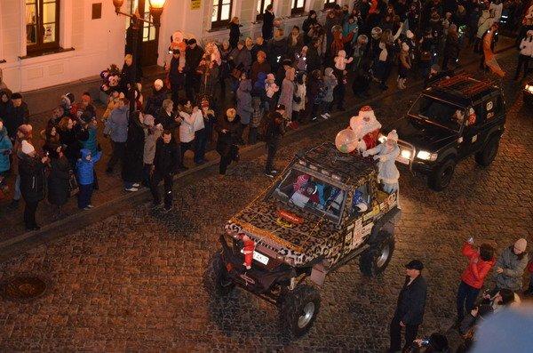 Парад Дедов Морозов в Гродно зажег главные елки в центре города (Фото, Видео), фото-12