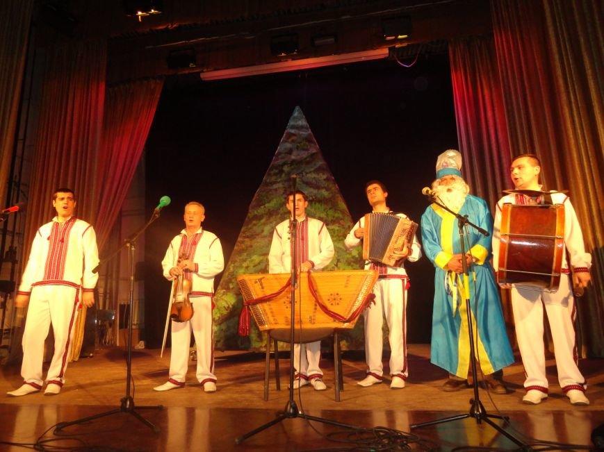 В Мариуполь прибыл Святой Николай с Ленд Ровером и минибусом Фольксваген  в подарок (ФОТО+ ВИДЕО) (фото) - фото 1