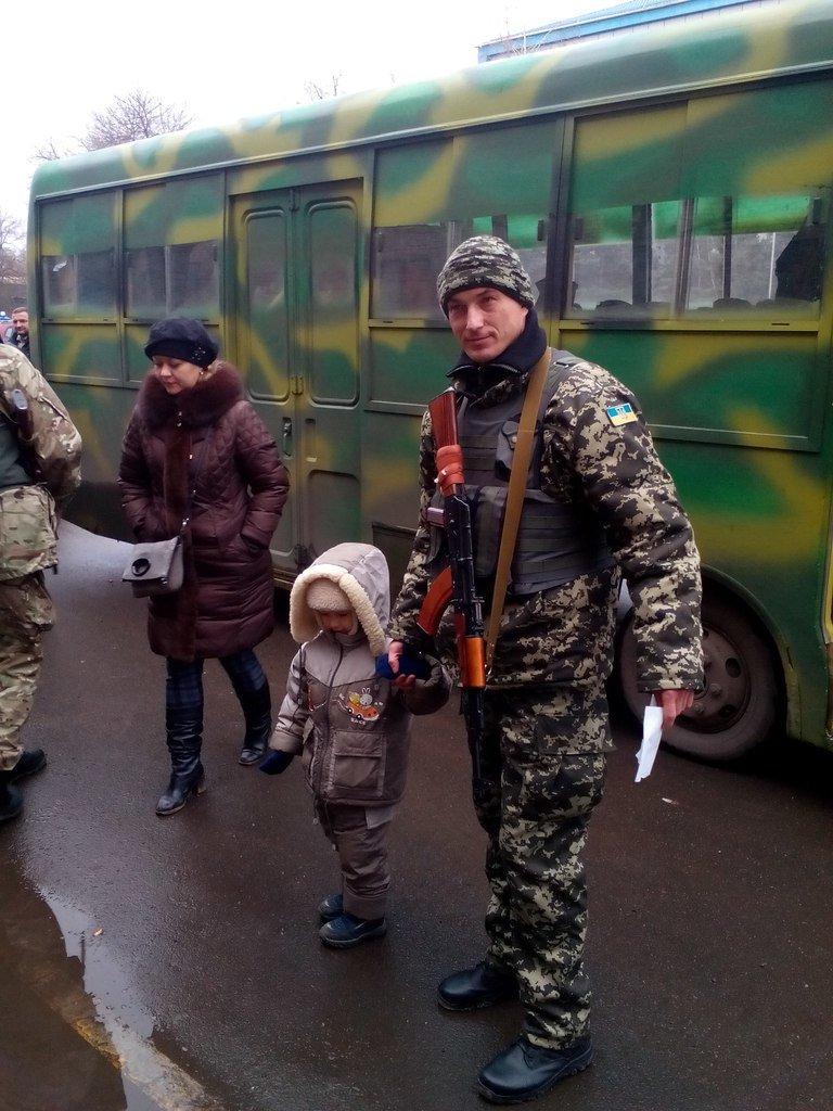 В свой профессиональный праздник бойцы спецбатальона «Кривбасс» отправились в зону АТО (ФОТО) (фото) - фото 1