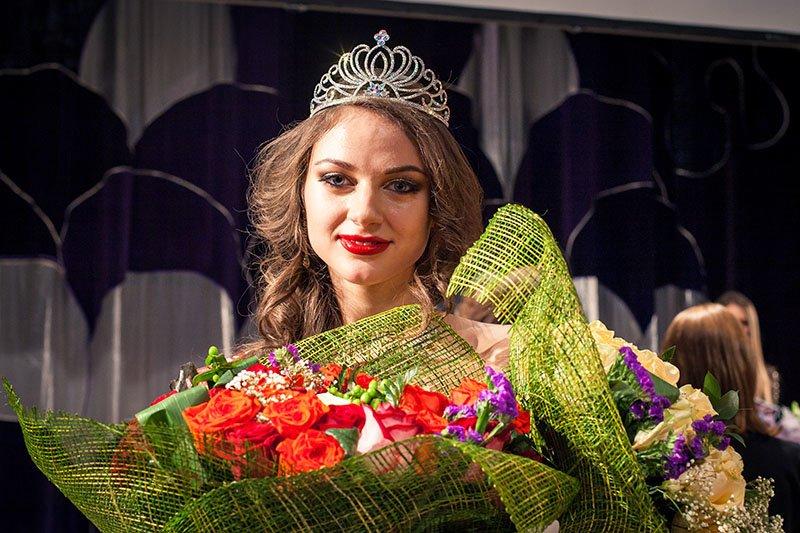 18-летняя студентка Людмила Балабаева победила в конкурсе «Мисс Белгород-2014», фото-2