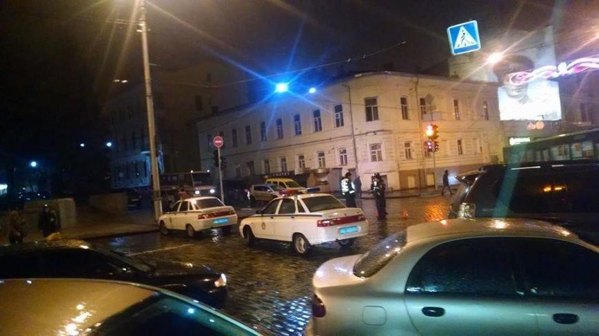 Правоохранители назвали свою версию перекрытия дороги во время празднования в ХНАТОБе дня милиции (ФОТОФАКТ), фото-1