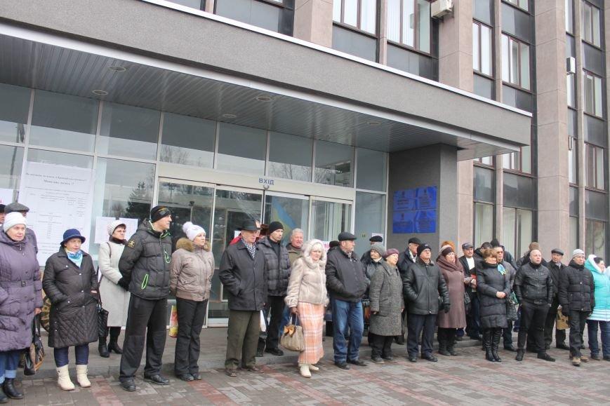 Организаторы акции протеста под горисполкомом призвали заменить чиновников-коррупционеров на своих людей (ФОТО), фото-4