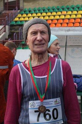 В новогоднем забеге Дедов Морозов приняло участие более 200 гродненцев, фото-8