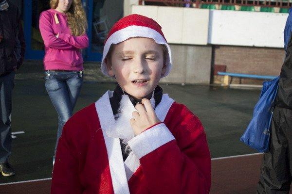 В новогоднем забеге Дедов Морозов приняло участие более 200 гродненцев, фото-9