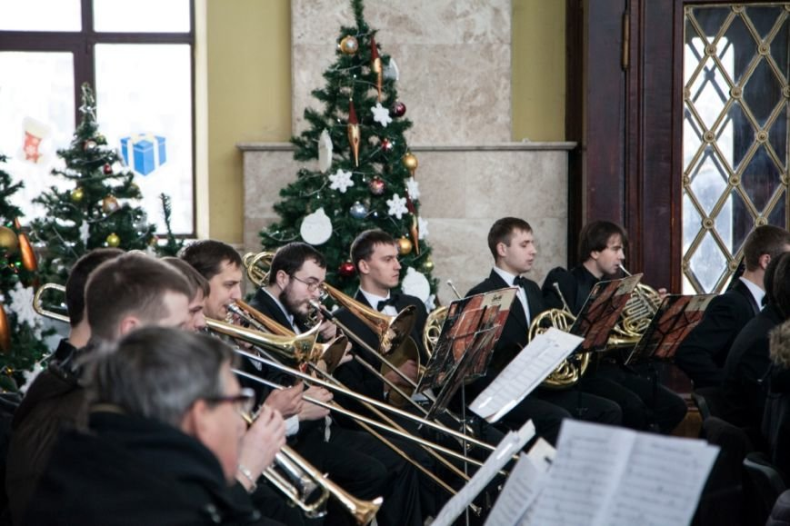 В Харькове на вокзале прошел концерт симфонического оркестра (ФОТО), фото-5