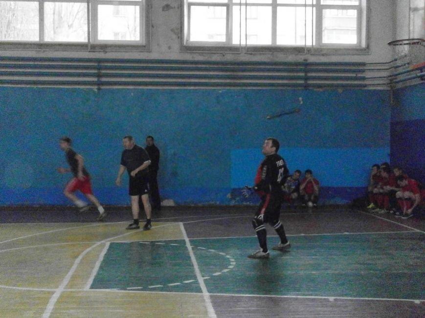 Новогодний мини-футбол в Славянске (фото) - фото 1
