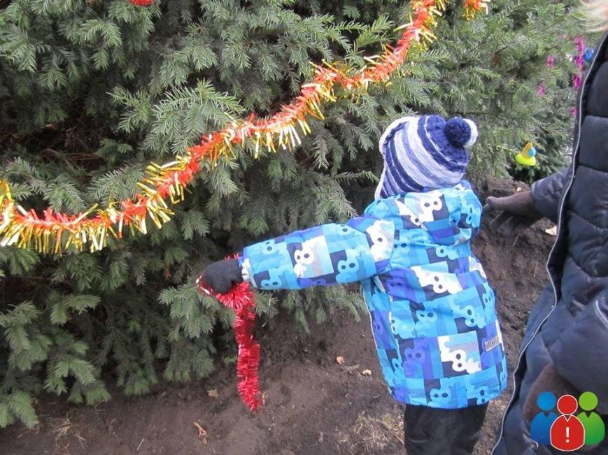 Маленькие криворожане украсили новогодними игрушками парк Правды (ФОТО), фото-14