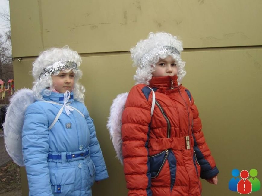 Маленькие криворожане украсили новогодними игрушками парк Правды (ФОТО), фото-4