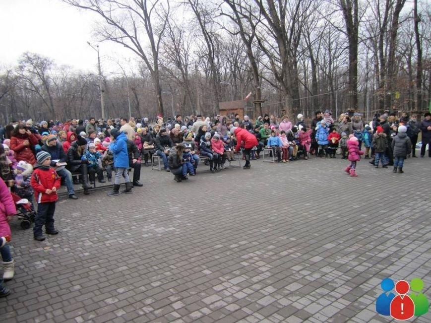 Маленькие криворожане украсили новогодними игрушками парк Правды (ФОТО), фото-5