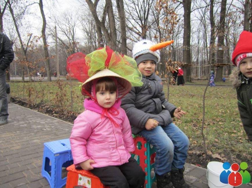 Маленькие криворожане украсили новогодними игрушками парк Правды (ФОТО), фото-7