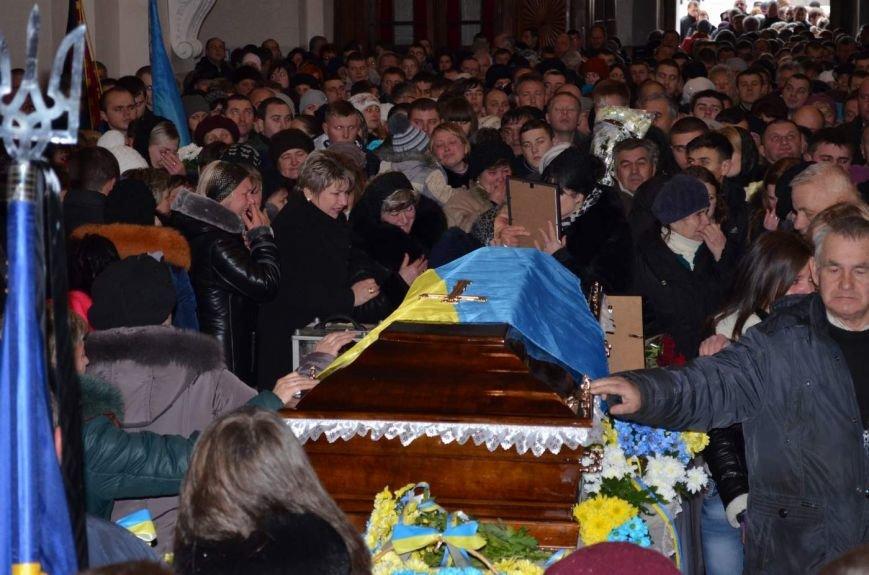 На Львівщині поховали трьох новітніх Героїв АТО (ФОТОРЕПОРТАЖ) (фото) - фото 3
