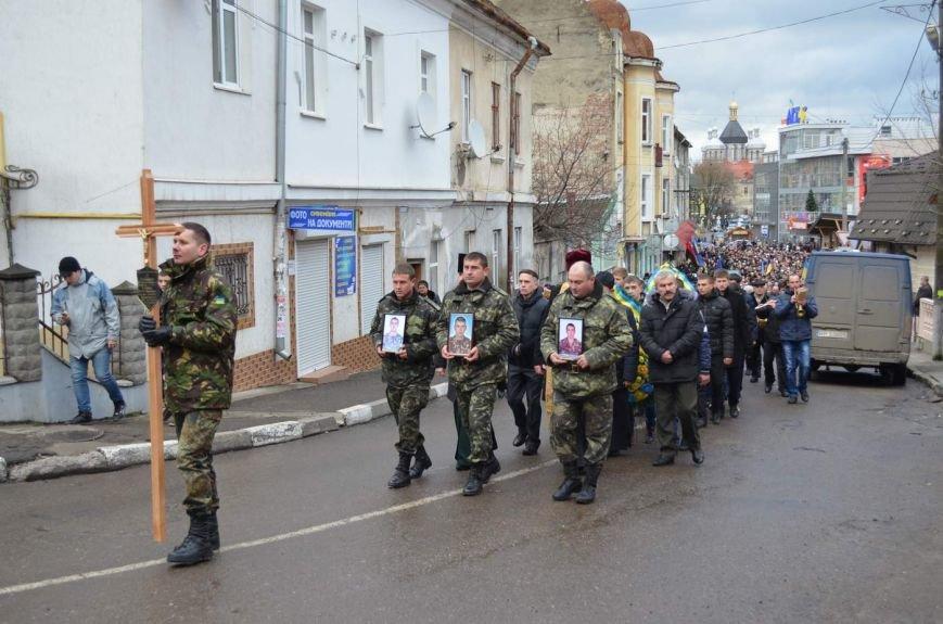 На Львівщині поховали трьох новітніх Героїв АТО (ФОТОРЕПОРТАЖ) (фото) - фото 1