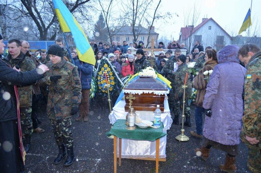 На Львівщині поховали трьох новітніх Героїв АТО (ФОТОРЕПОРТАЖ) (фото) - фото 4