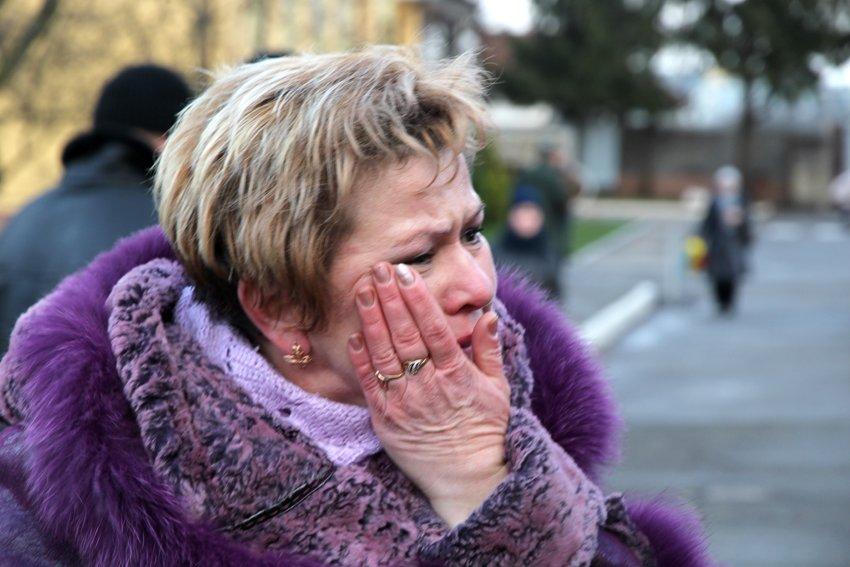 У Львові Героїв АТО зустріли вдома зі сльозами та хвилиною мовчання за побратимами, які вже не повернуться (ФОТОРЕПОТАЖ) (фото) - фото 4