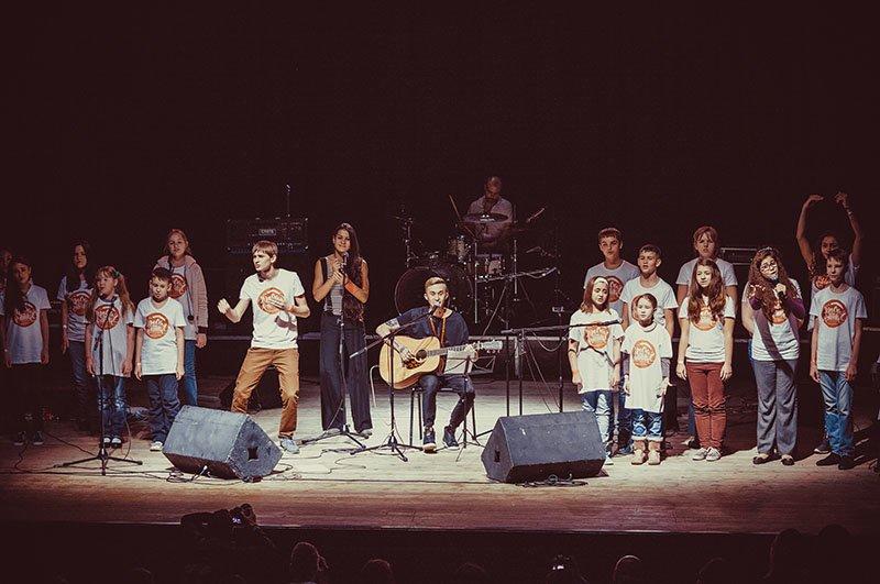 На фестивале здоровой музыки «Красная Рябина» звёзды выступили вместе с белгородскими детьми, фото-3