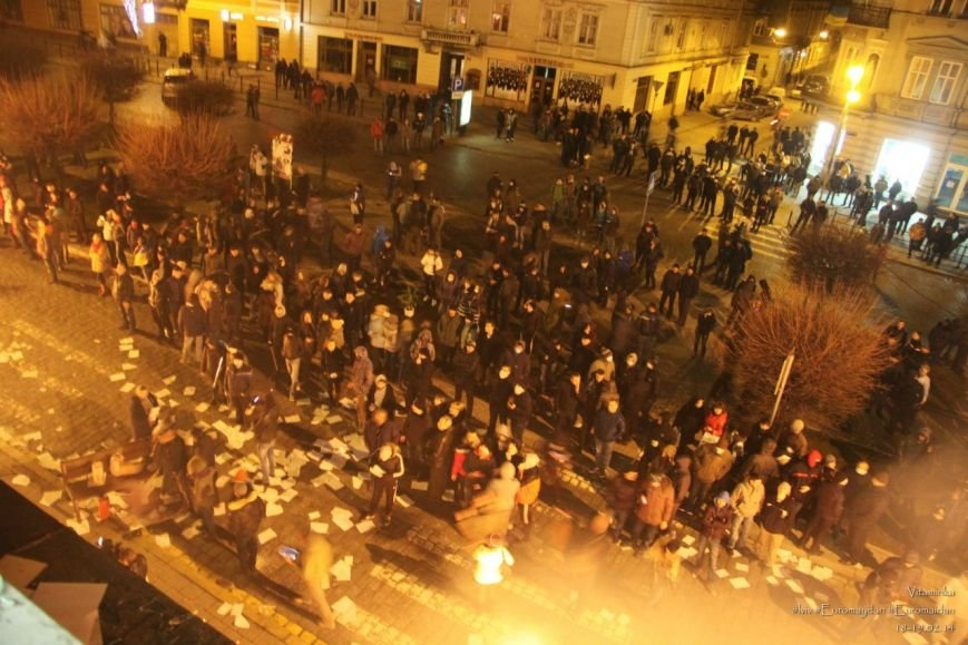 У Львові відреставрували вітражі, які були пошкоджений під час «Ночі гніву» у прокуратурі (ФОТОРЕПОРТАЖ) (фото) - фото 1